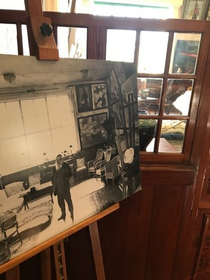 Black and white photo on an easel