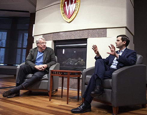 New York Investor Jim Chanos Brings Financial Expertise to WSB Students