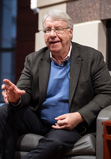 Investor Jim Chanos speaks to WSB students and alumni
