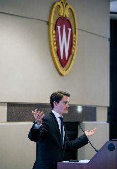 Jaime Luque speaks to the forum audience