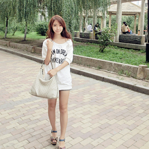 Agnes Zhang
